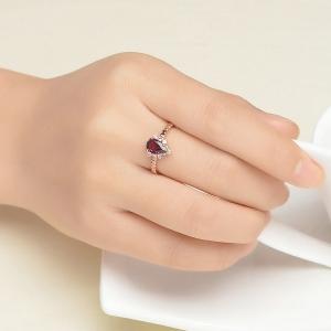 Drop-shaped gemstone ring